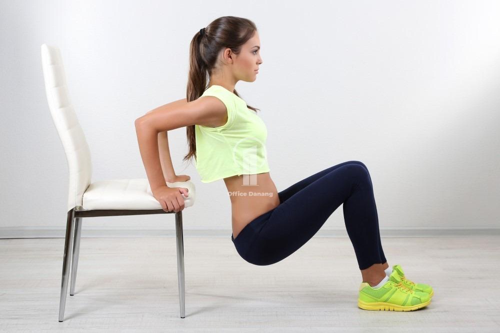 thể dục tại chỗ cho dân văn phòng với bài tập cơ tay